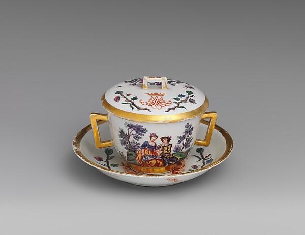 Small tureen and stand, Vienna, Hard-paste porcelain, Austrian, Vienna