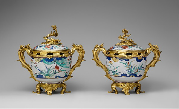 Potpourri bowl with cover (one of a pair), Hard-paste porcelain, gilt-bronze mounts, Japanese with French mounts