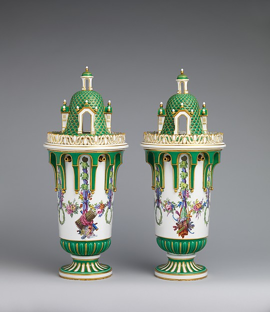 Vase with cover (Vase en tour) (one of a pair), Sèvres Manufactory (French, 1740–present), Soft-paste porcelain, French, Sèvres