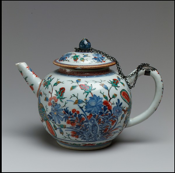 Teapot, Hard-paste porcelain, Chinese with Dutch decoration, for European market