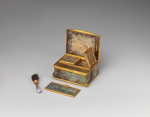 18th century Box for rouge and patches, Gold, agate, British, London