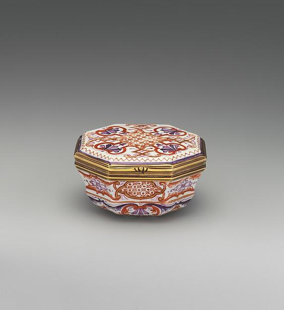 Snuffbox, Vienna, Hard-paste porcelain, gold, Austrian, Vienna