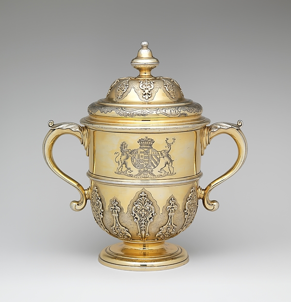 Two-handled cup with cover, Thomas Farren (British, active ca. 1707–d. 1743), Silver gilt, British, London