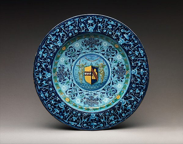 Dish with arms of the Strozzi and Ridolfi families, Workshop of Piero Bergantini (Italian, active Faenza, 1503–40) and, Maiolica (tin-glazed earthenware), Italian, Faenza