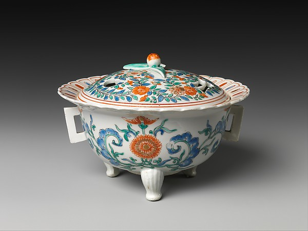 Incense burner (koro), Hard-paste porcelain painted with cobalt blue under and colored enamels over transparent glaze (Hizen ware; Kakiemon type), Japanese, for European market