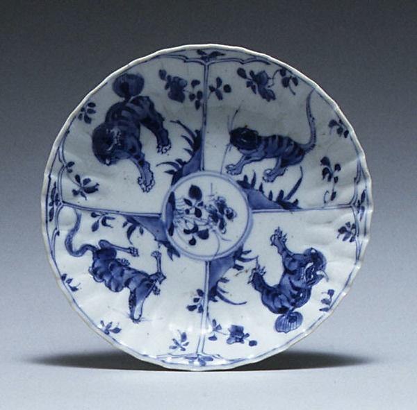 Saucer, Hard-paste porcelain, Chinese, for European market