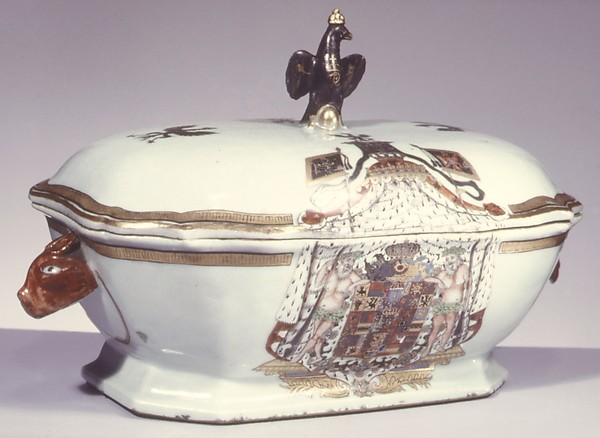 Tureen with cover, Hard-paste porcelain, Chinese, for German market