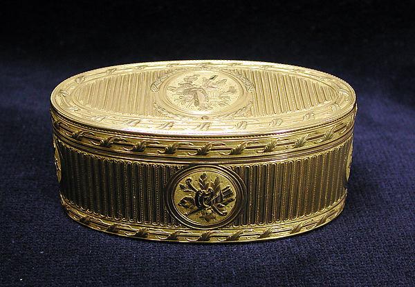 Snuffbox, Pierre-François-Mathis de Beaulieu (apprenticed 1752, master 1768, active until 1792), Varicolored gold, French, Paris