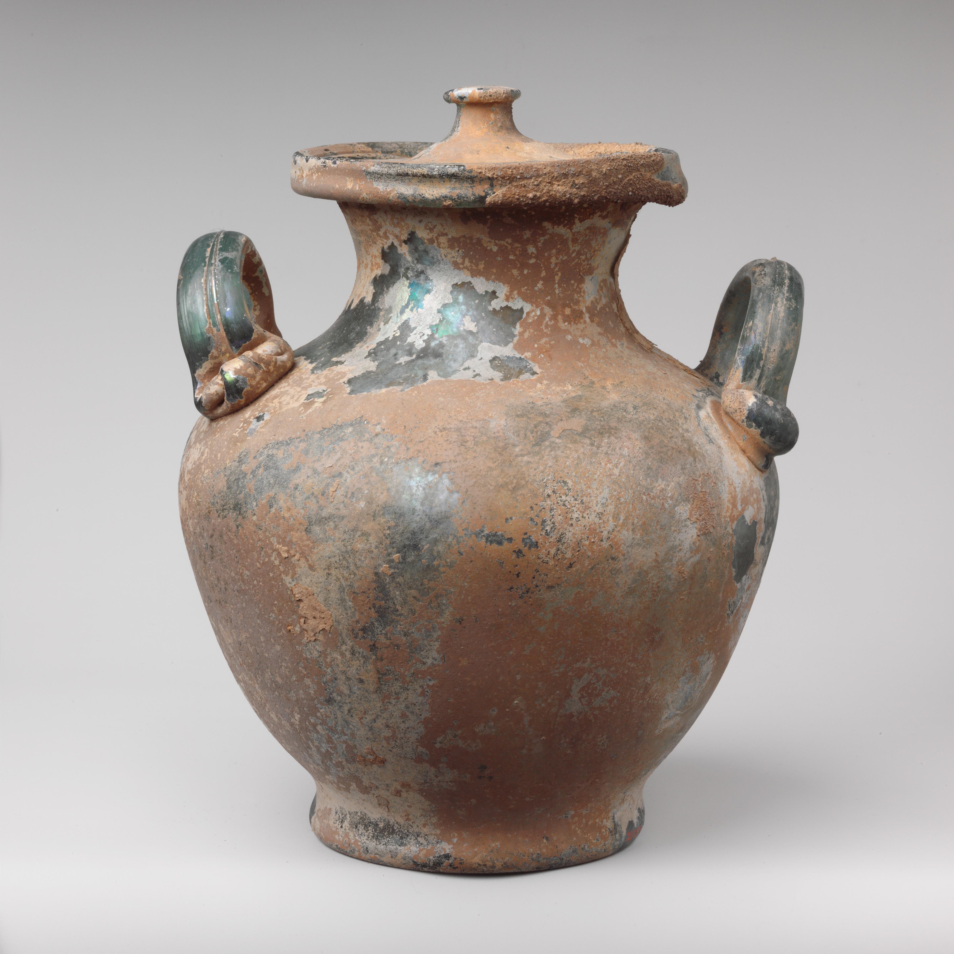 من المقتنيات الأثرية التي تعود للقرن الأول الميلادي