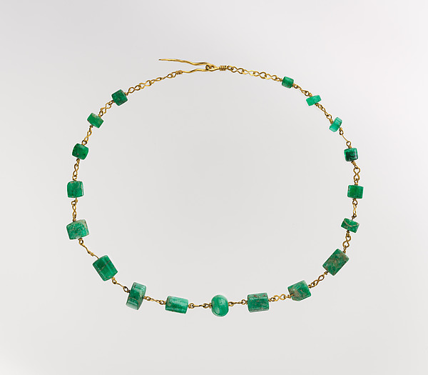 Relatively Gold and emerald necklace | Roman | Imperial | The Met KS51