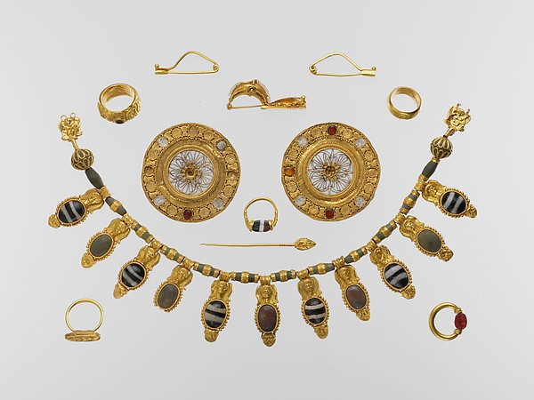 Set of jewelry, Gold, glass, rock crystal, agate, carnelian, Etruscan