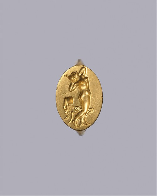 Gold ring with intaglio of a naked woman, Gold, Greek