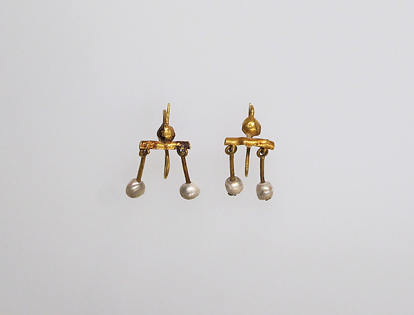 Gold and pearl earring, Gold, pearl, Roman