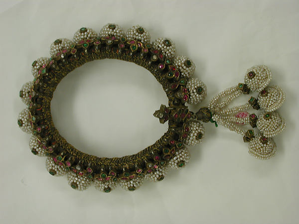 Anklet, Seed pearls, rubies, diamonds, emeralds, gold