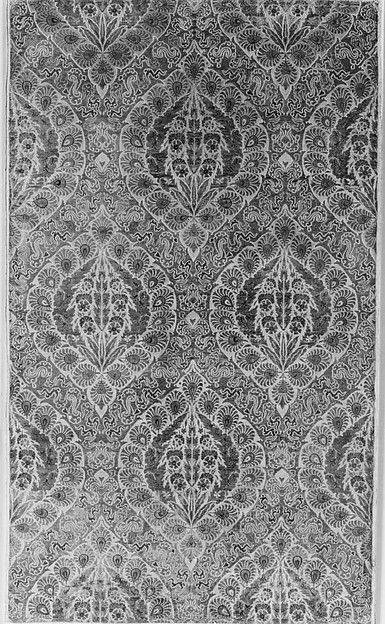 Brocade, Silk, gold thread, metal / ogival framework serge weave with gold thread lancé, gold thread consisting of gilded metal twisted around gold silk; tartar clouds in serge weave also; ground of medallions satin, designs in serge weave.