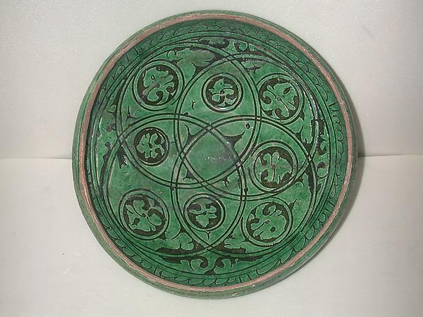 Garrus-ware Bowl, Earthenware; white slip-covered, carved decoration under a monochrome glaze (Garrus ware)