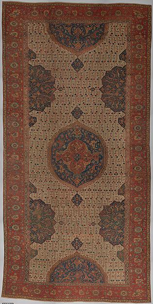 Ushak Medallion Carpet on White Ground, Wool (warp, weft and pile); symmetrically knotted pile