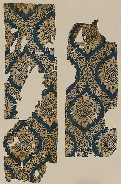 Textile Fragment with Ogival Pattern, Silk; lampas