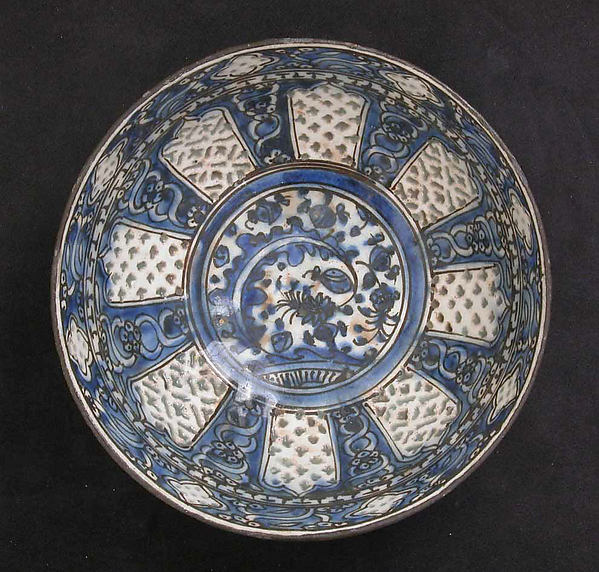 Bowl, Stonepaste; painted in blue and black under a transparent glaze