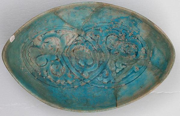 Bowl, Stonepaste; incised and glazed