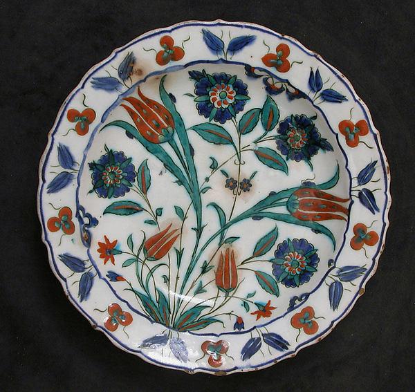 Dish, Stonepaste; painted under transparent glaze