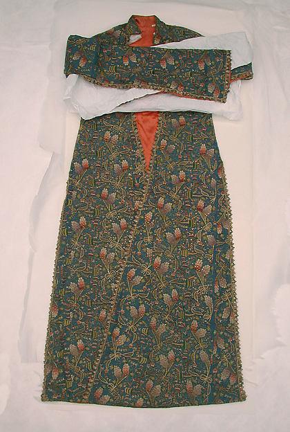 Robe, Wool, silk and gilt thread