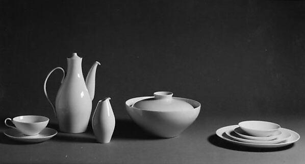 """Museum"" Luncheon Plate, Eva Zeisel (American, Budapest 1906–2011 New City, New York), Porcelain"