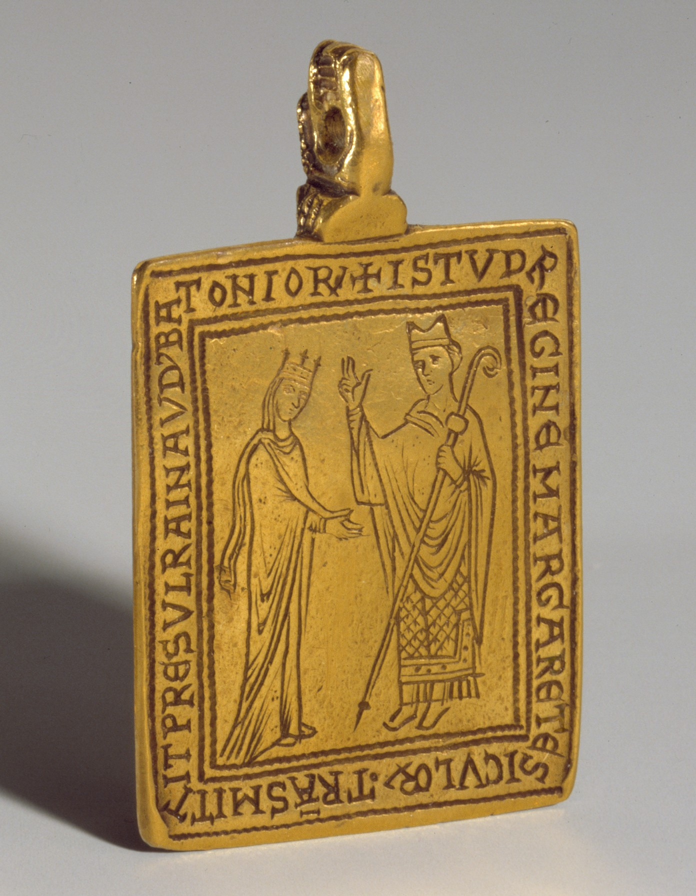 pilgrim s badge of the shrine of st thomas becket at canterbury reliquary pendant queen margaret of sicily blessed by bishop reginald of bath