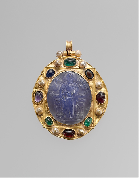 Pendant Brooch with Cameo of Enthroned Virgin and Child and Christ Pantokrator, Chalcedony cameo; gold mount with pearls, emeralds, garnets, sapphires, and a sardonyx intaglio, Byzantine