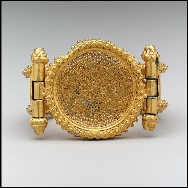 Bracelet (one of a pair), Gold, Byzantine