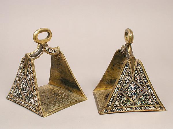Stirrup, Cloisonné enamel, copper-gilt, Spanish