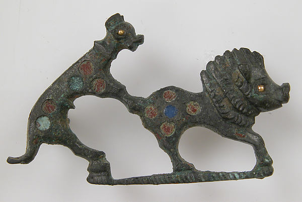 Brooch in the Form of a Dog Attacking a Boar, Champlevé enamel, bronze, gold, Roman