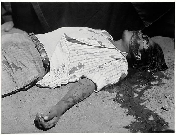Manuel Alvarez Bravo - Obrero en huelga asesinado, 1934, The Metropolitan Museum of Art
