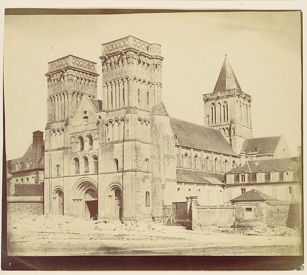 [Abbay aux Dammes, Caen], Unknown (British), Albumen silver print from paper negative