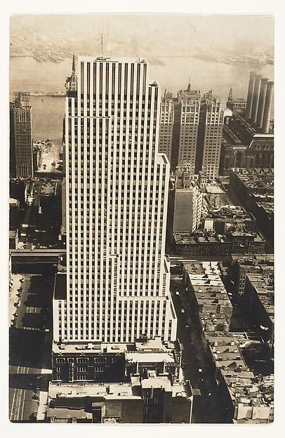 Daily News Building, Berenice Abbott (American, Springfield, Ohio 1898–1991 Monson, Maine), Gelatin silver print