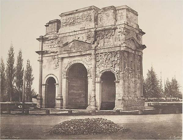 Arc antique à Orange, Édouard Baldus (French, born Prussia, 1813–1889), Salted paper print from paper negative