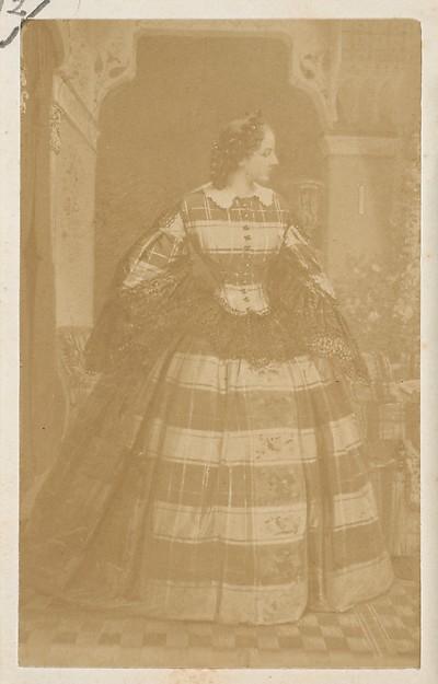 La robe écossaise, André-Adolphe-Eugène Disdéri (French, Paris 1819–1889 Paris), Albumen silver print from glass negative
