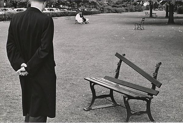 Broken Bench, Long Island, André Kertész (American (born Hungary), Budapest 1894–1985 New York), Gelatin silver print