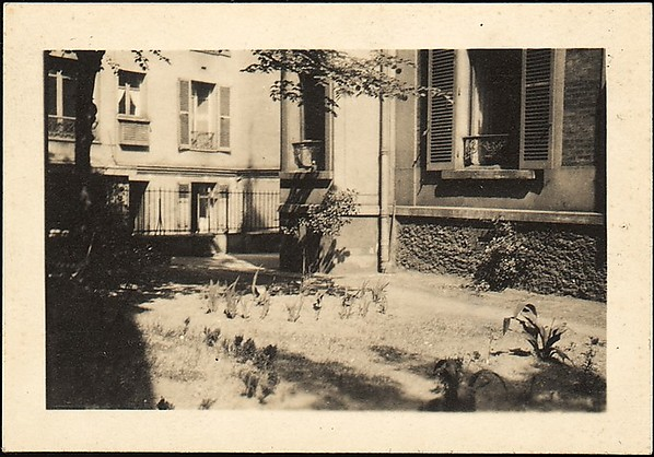 [Courtyard of  5, rue de la Santé, Paris], Walker Evans (American, St. Louis, Missouri 1903–1975 New Haven, Connecticut), Gelatin silver print