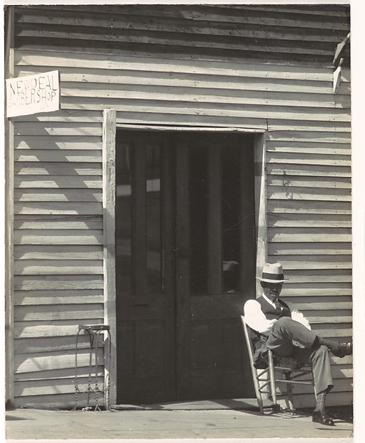 [Barber Shop, Vicksburg, Mississippi], Walker Evans (American, St. Louis, Missouri 1903–1975 New Haven, Connecticut), Gelatin silver print