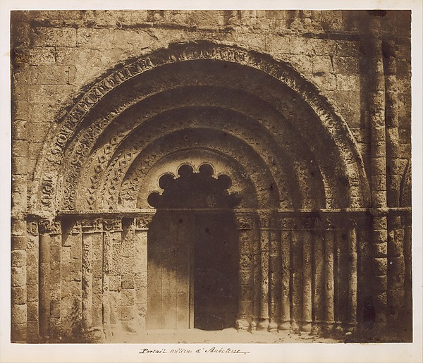 Portail milieu d'Aubeterre, Gustave Le Gray (French, 1820–1884), Salted paper print from paper negative